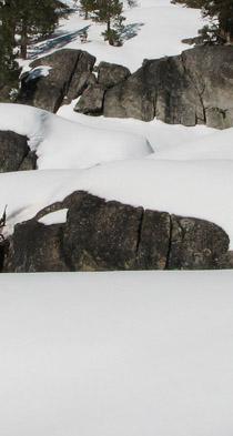 snow-rocks1
